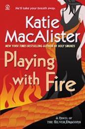 descargar epub Jugando con fuego – Autor Katie MacAlister