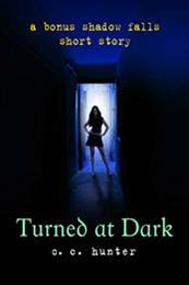 descargar epub Turned at dark – Autor C.C. Hunter